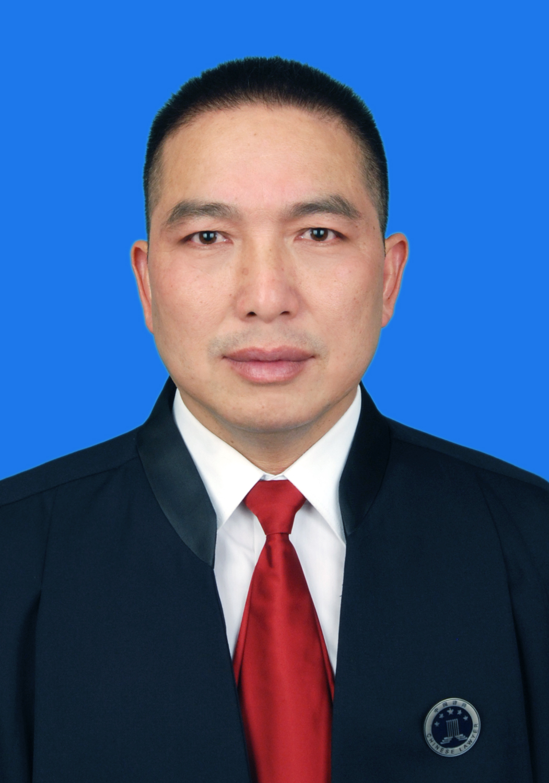 张春山律师
