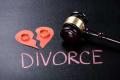 起诉离婚财产是要平分吗
