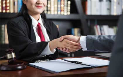 离婚律师咨询费需要多少钱