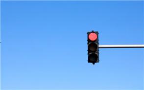 闯红灯扣几分?哪些情况下闯红灯不罚款不扣分